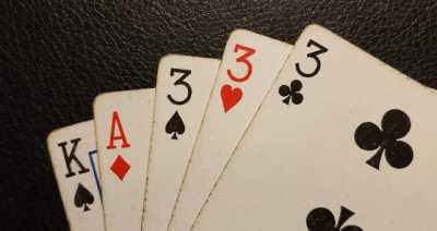 Pokerhubisr Three of a kind win