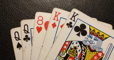 Pokerhubisr two pairs win